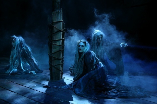 Macbeth_Witches_at_Opening_by_isaacramseydesign.jpg