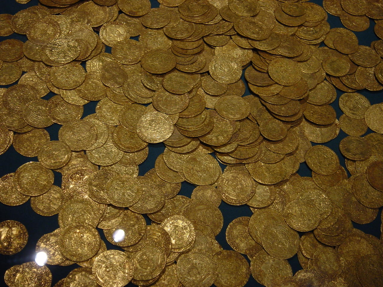 hoard_of_ancient_gold_coins.jpg