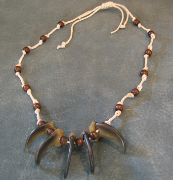 Bear_Claw_Necklace_Natural.jpg
