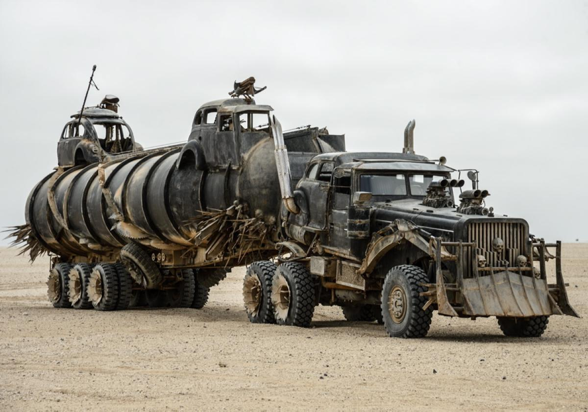 war-rig-mad-max-fury-road.jpg