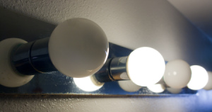 compact_fluorescent_lightbulbs_close_up_s.jpg