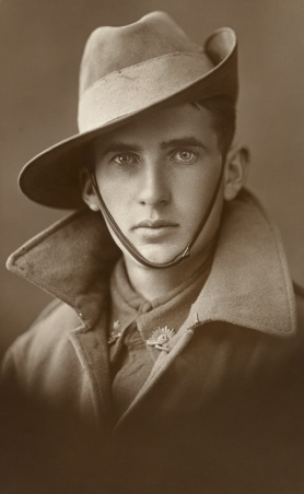 Icon___archive_greatcoat___slouch_hat.jpg