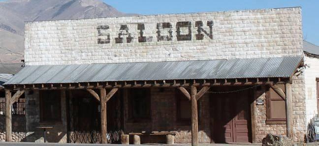 saloon1.jpg