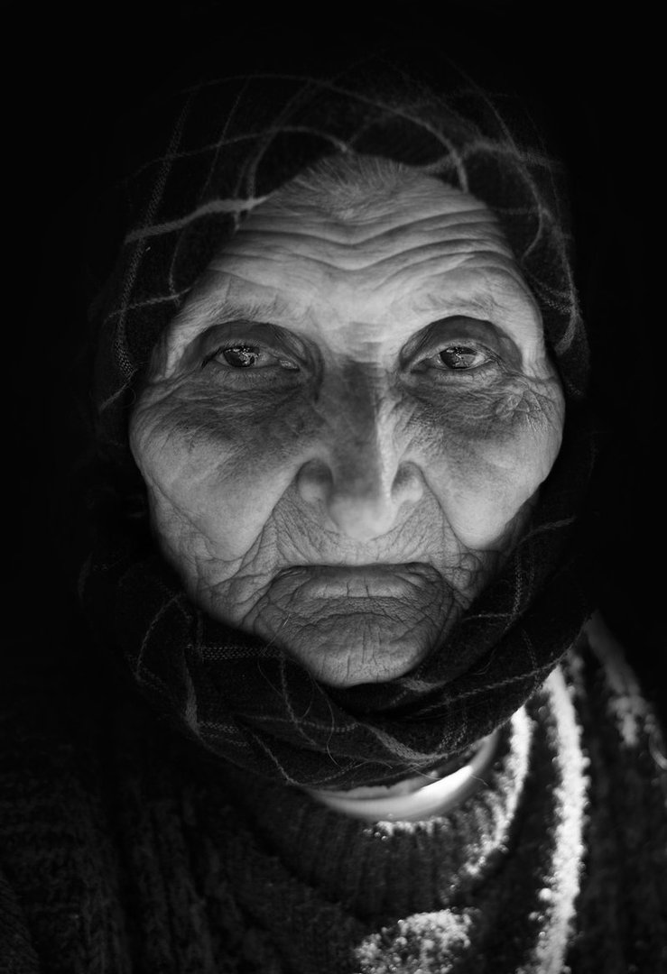 old_woman_iv_by_borda-d5e8yzk.jpg