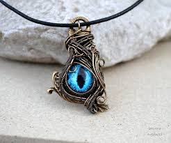 quiet_necklace.jpe