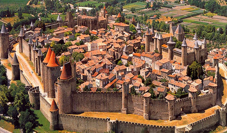 best-medieval-cities-in-europe-Carcassonne-France-city-walls.png