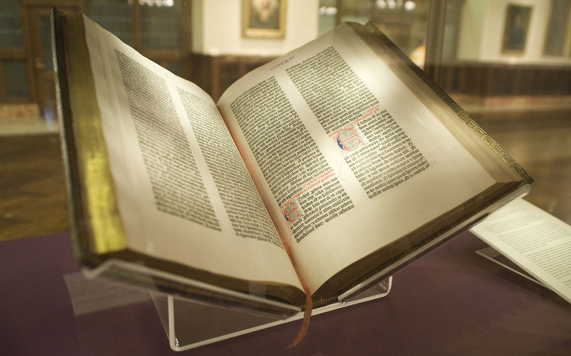 Gutenberg_Bible__Lenox_Copy__New_York_Public_Library__2009._Pic_01.jpg