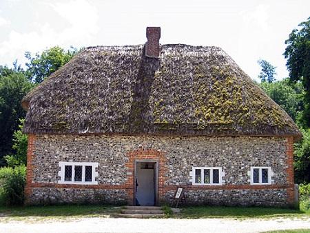Stone_Cottage_001.jpg