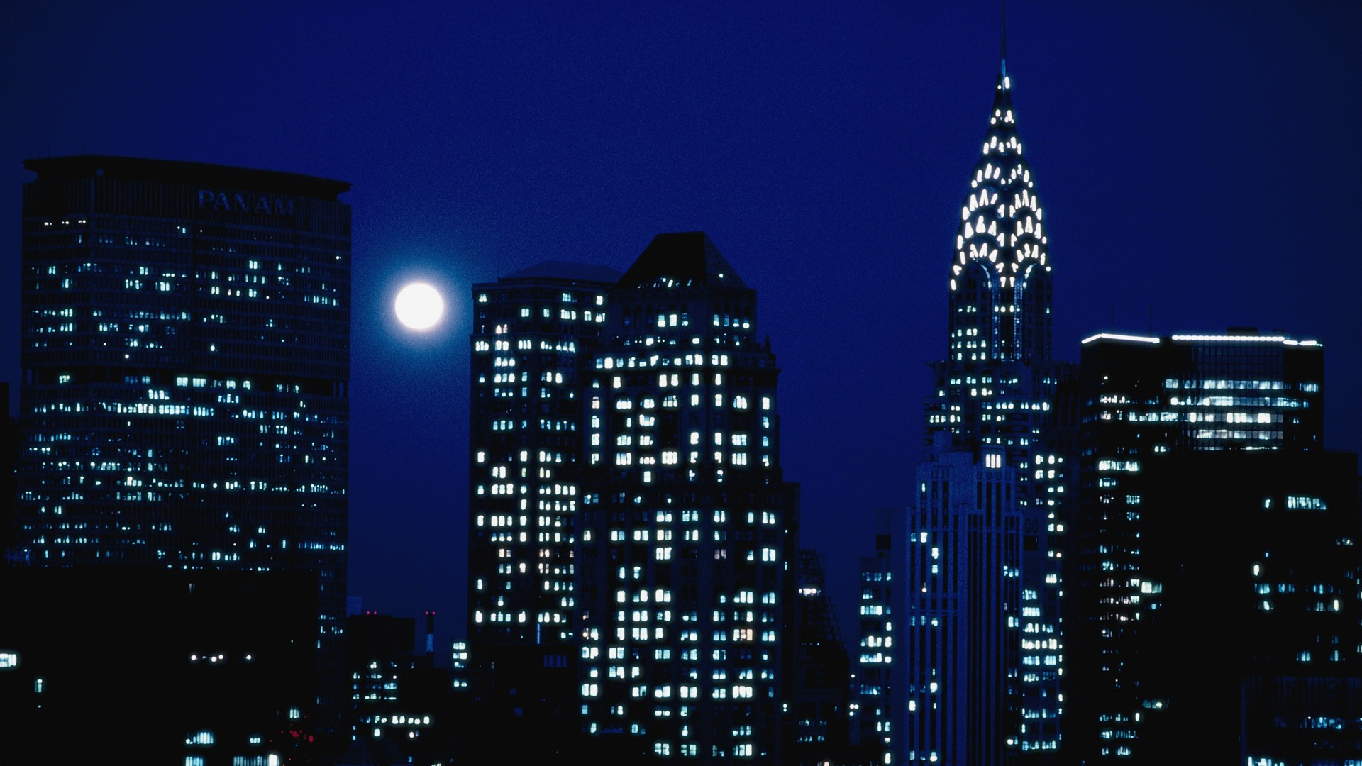 6905099-new-york-at-night.jpg