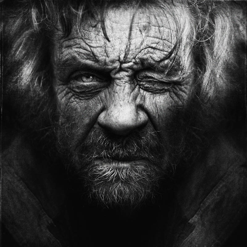 homeless-black-and-white-portraits-lee-jeffries-22.jpg