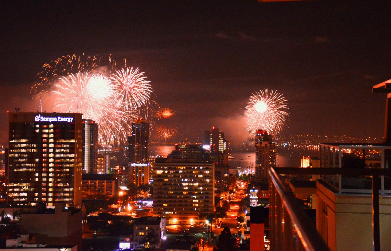 Grand_City_New_Years_Fireworks.jpg