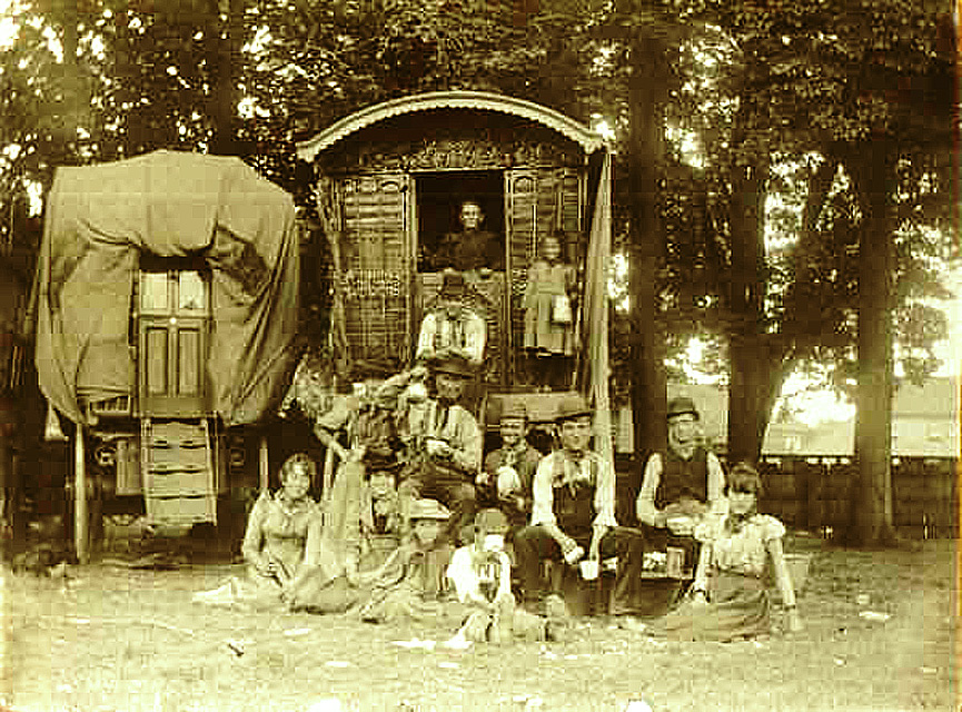 Gypsy_family_and_travel_wagon.jpg