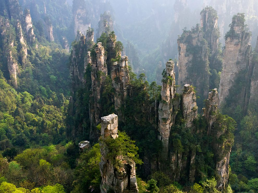 zhangjiajie-national-forest-park-china_66408_990x742.jpg