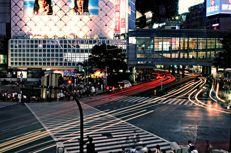 shibuya_car_blur_by_onrelas.jpg