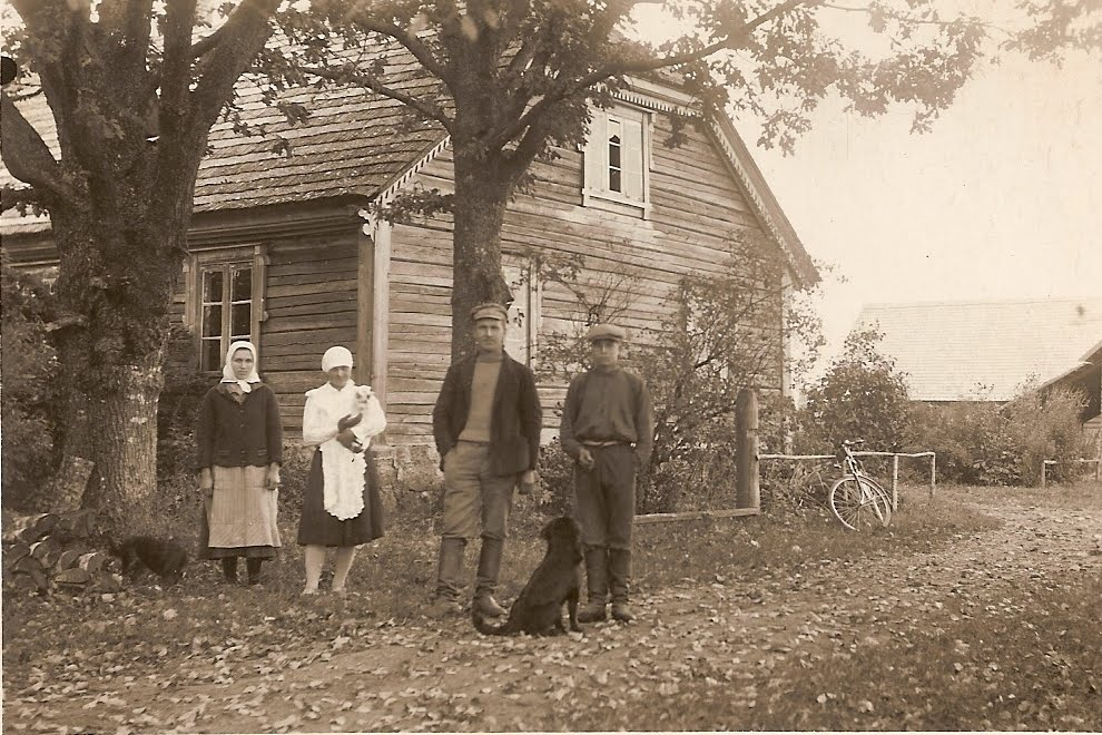 Freiberg_Farmhouse_Kastran_Latvia.JPG