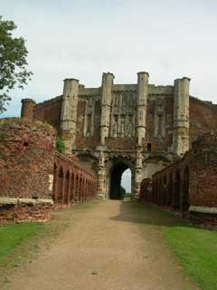 Thornton_Abbey_lincolnshire.jpg