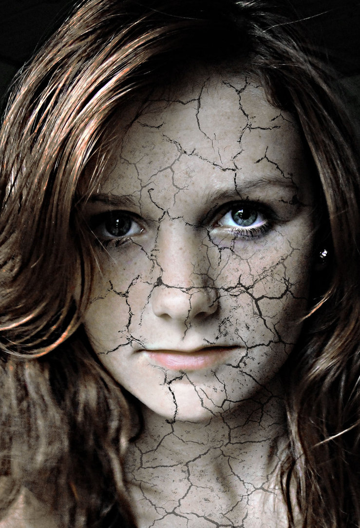cracked_face_by_missnille-d4k37s2.jpg