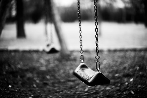 ede_stein_grey_swing_b_w_sad_photography_black_and_white-39db82b73b3a32c306c6c28775cdb76f_h.jpg