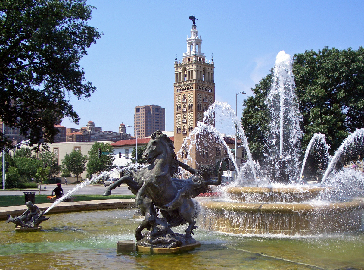 JC_Nichols_Fountain_by_Henri-L_on_Gr_ber_Kansas_City.jpg