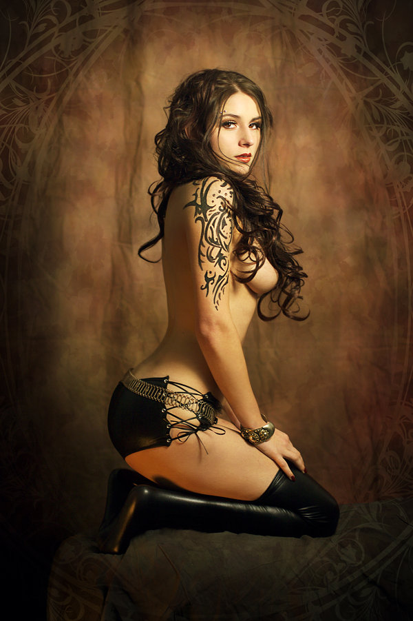 kassandra__ornamental_pinup__inspired_by_royo_by_gestiefeltekatze-d60o5qb.jpg