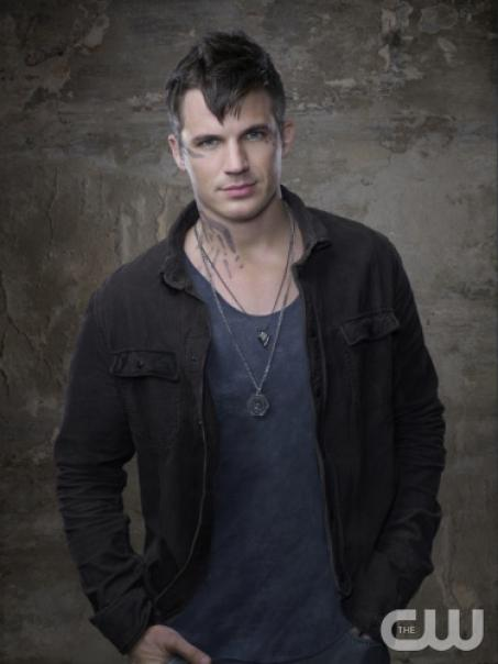 star-crossed-matt-lanter-roman.jpg