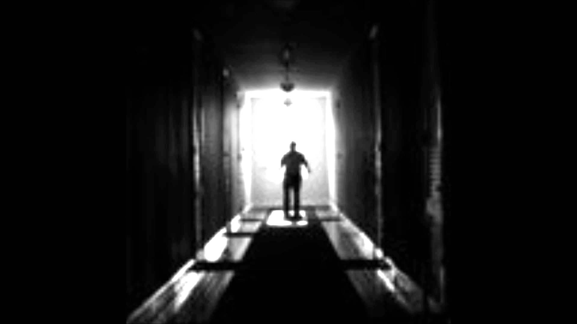 Creepy_Ships_Halls.jpg