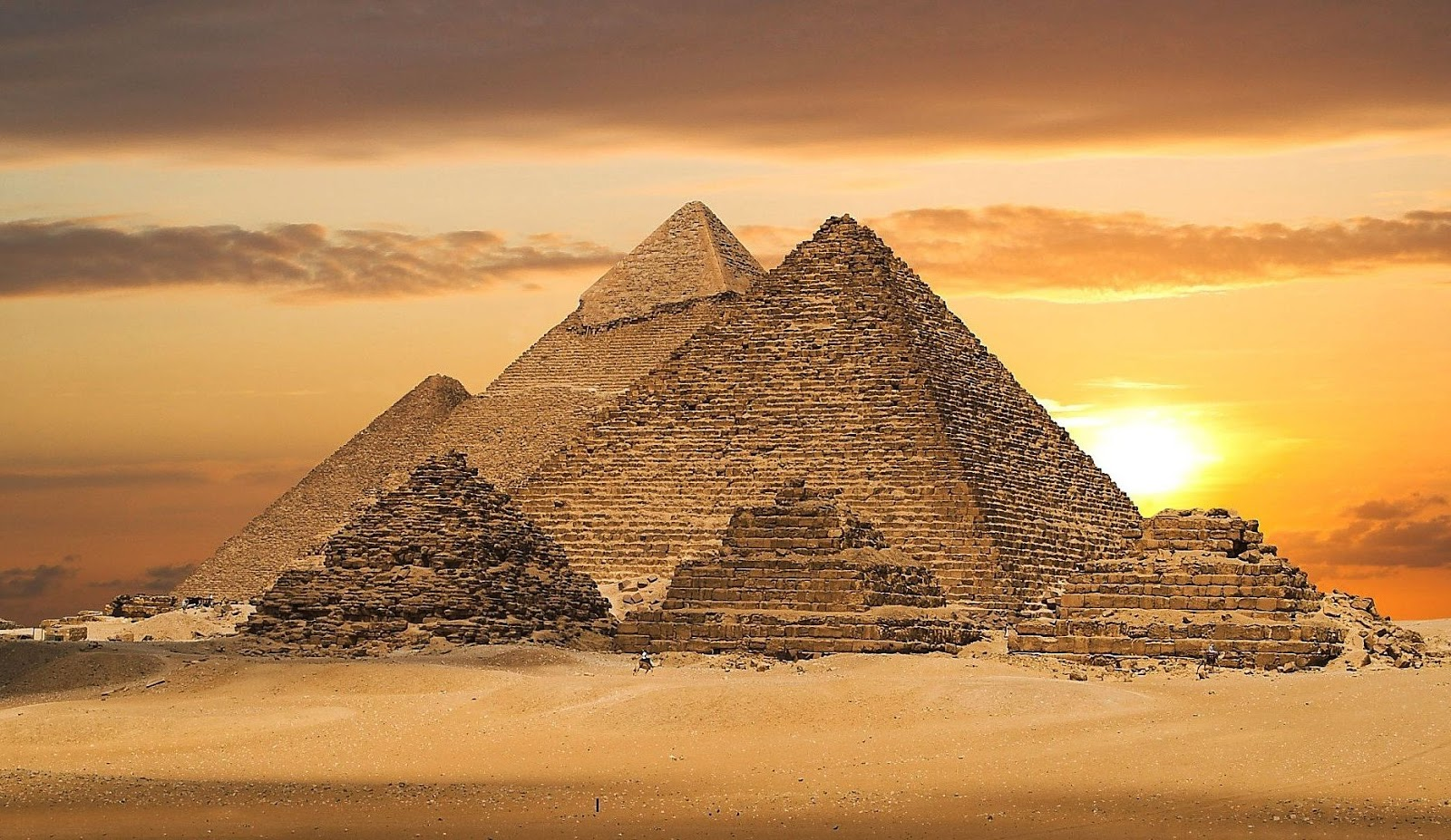 Pyramids-Giza.jpg