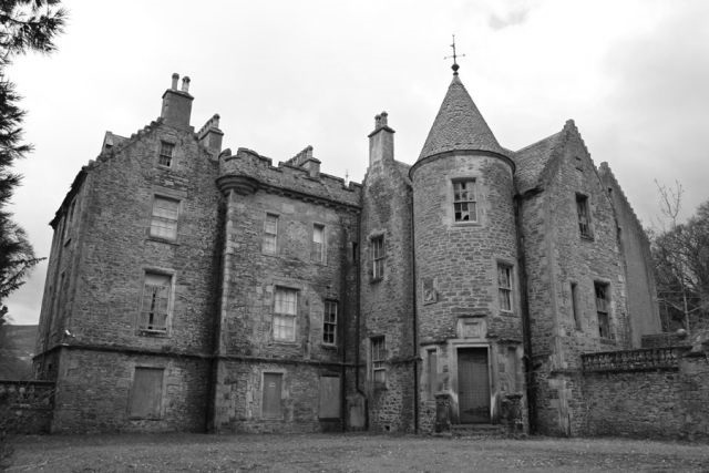 eastend-house-abandoned-scotland-3.jpg