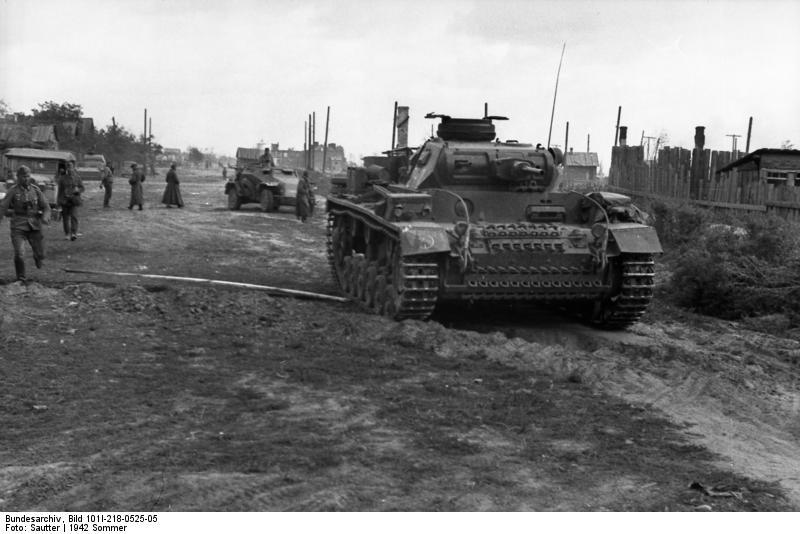 Bundesarchiv bild 101i 218 0525 05  russland s d  don  stalingrad   panzer iii