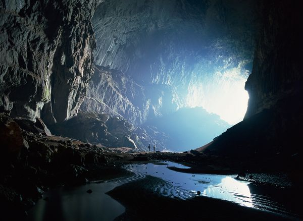 Science extreme caves deer cave borneo 47789 600x450