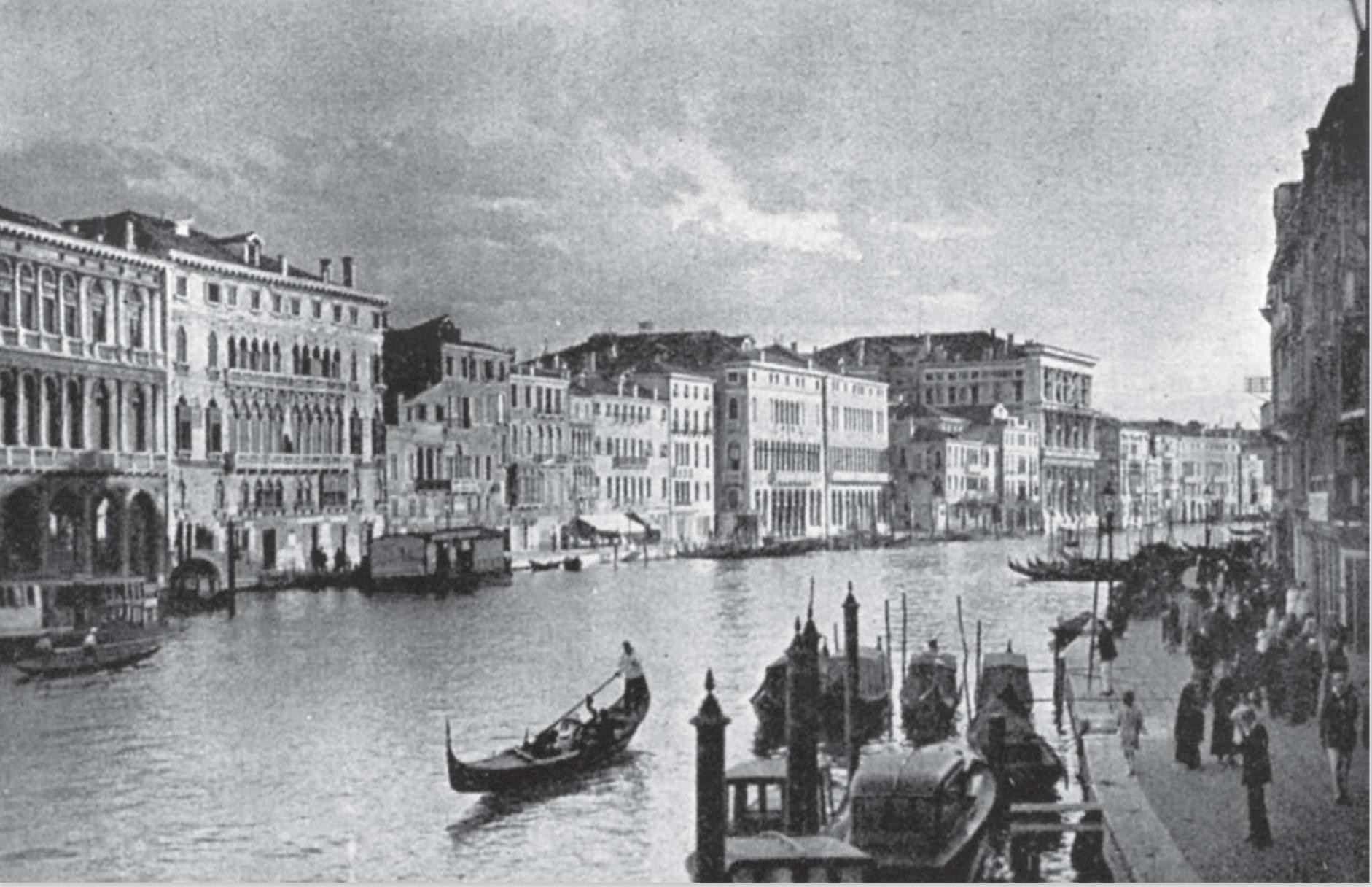Venice_panorama_canal.png