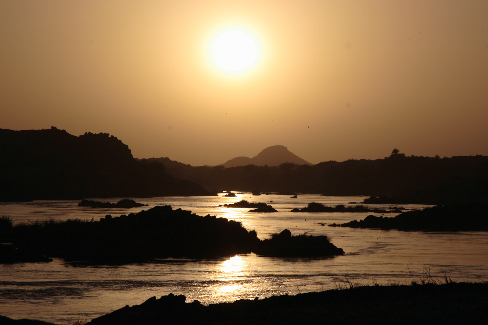 Nile sunset dar almanasir