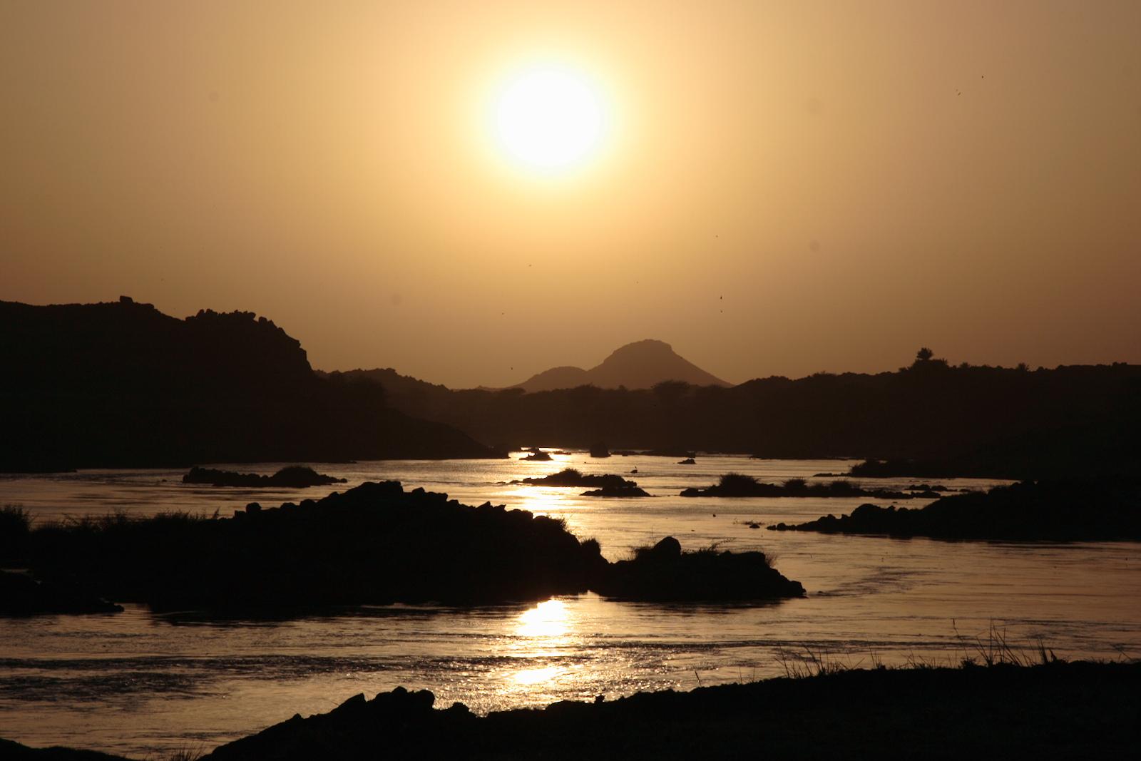Nile sunset dar almanasir
