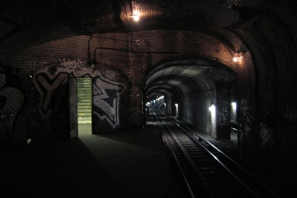 abandoned-subway-station.jpg