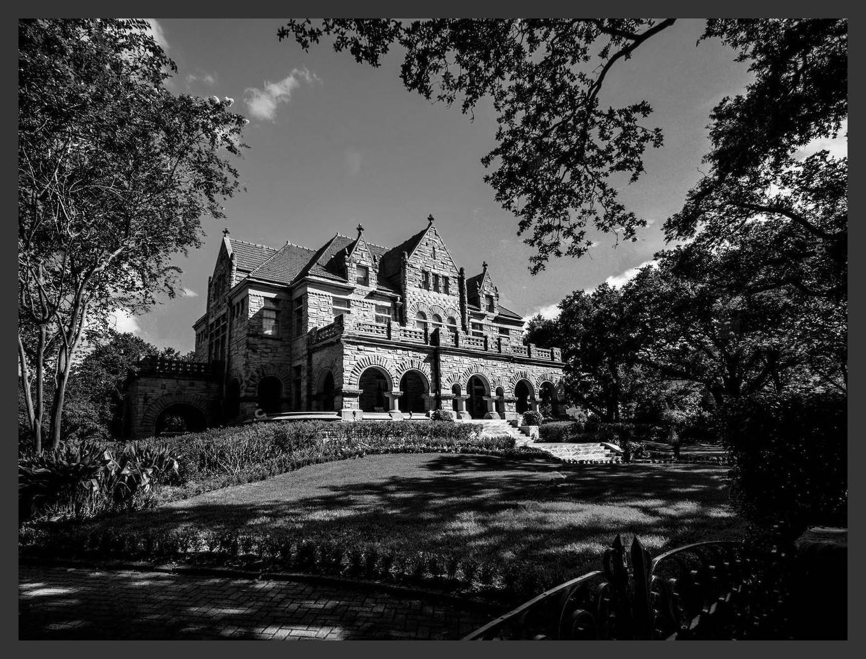 Brown_Mansion.jpg