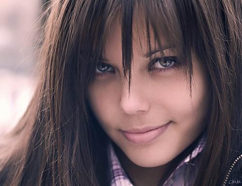 knze1mtaxnjasndc5mzqwnjufbeautiful_girl_dark_hair_smiling_beauty_eyes_woman-f90040fc511920087a583f1f71d09939_h.jpg