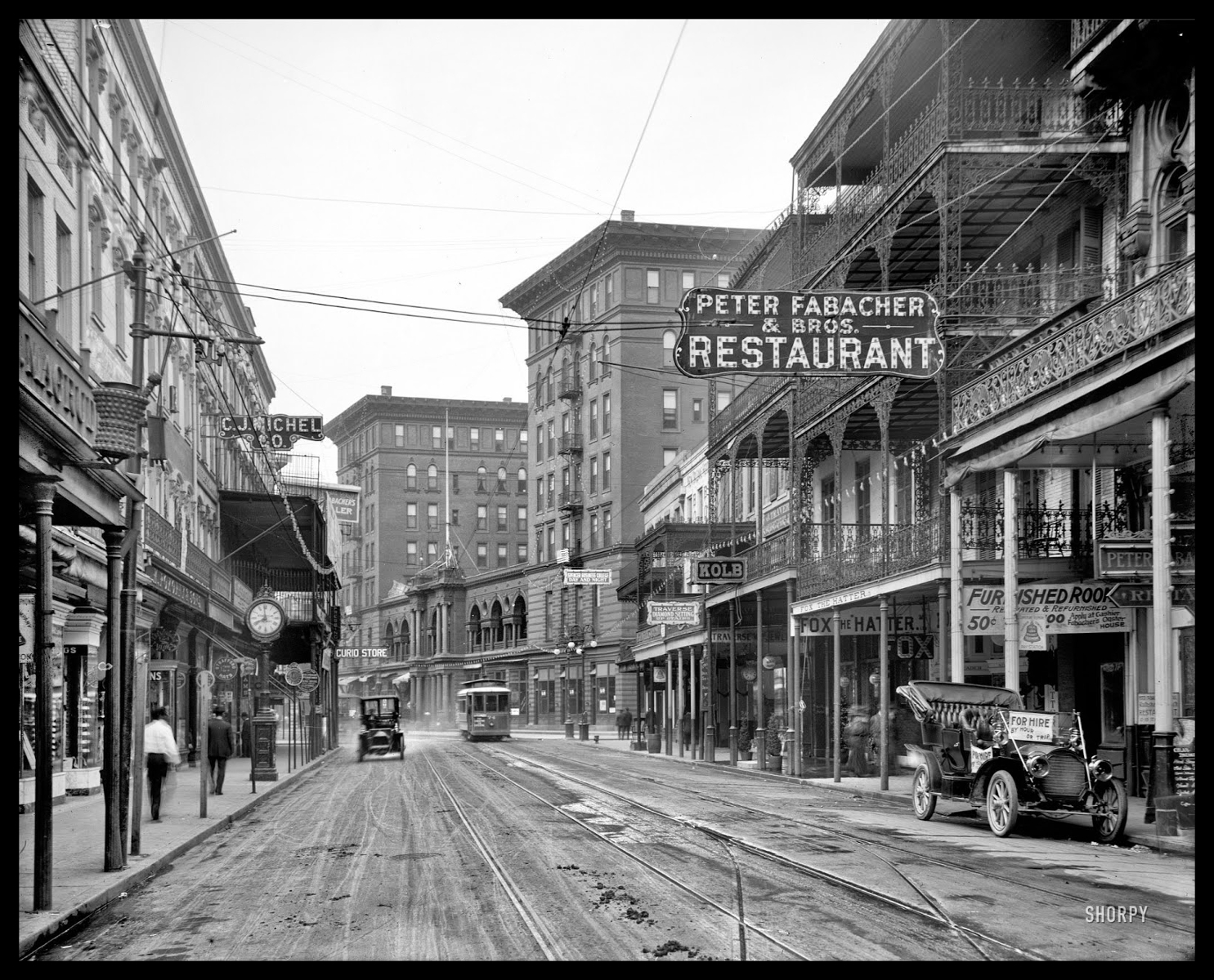 St._Charles_Avenue_from_Canal_Street__New_Orleans_circa_1910.jpg