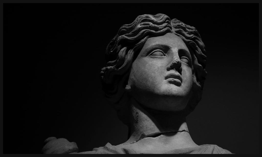 Artemis_Ventrue2.jpg