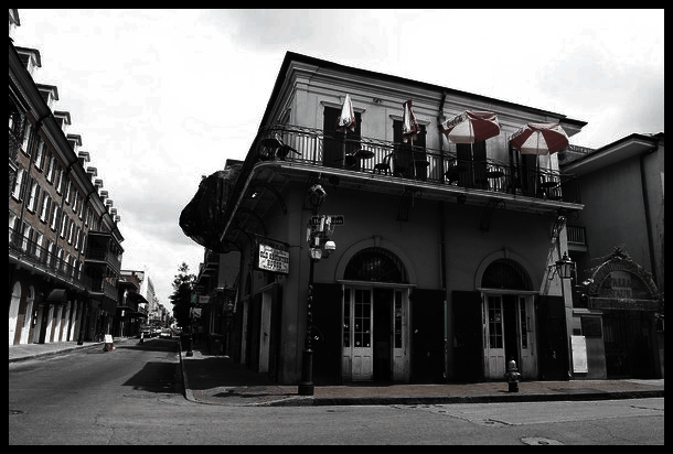 General_views_Old_Absinthe_House_Bourbon_Street_y6-BRcjQgU7l.jpg