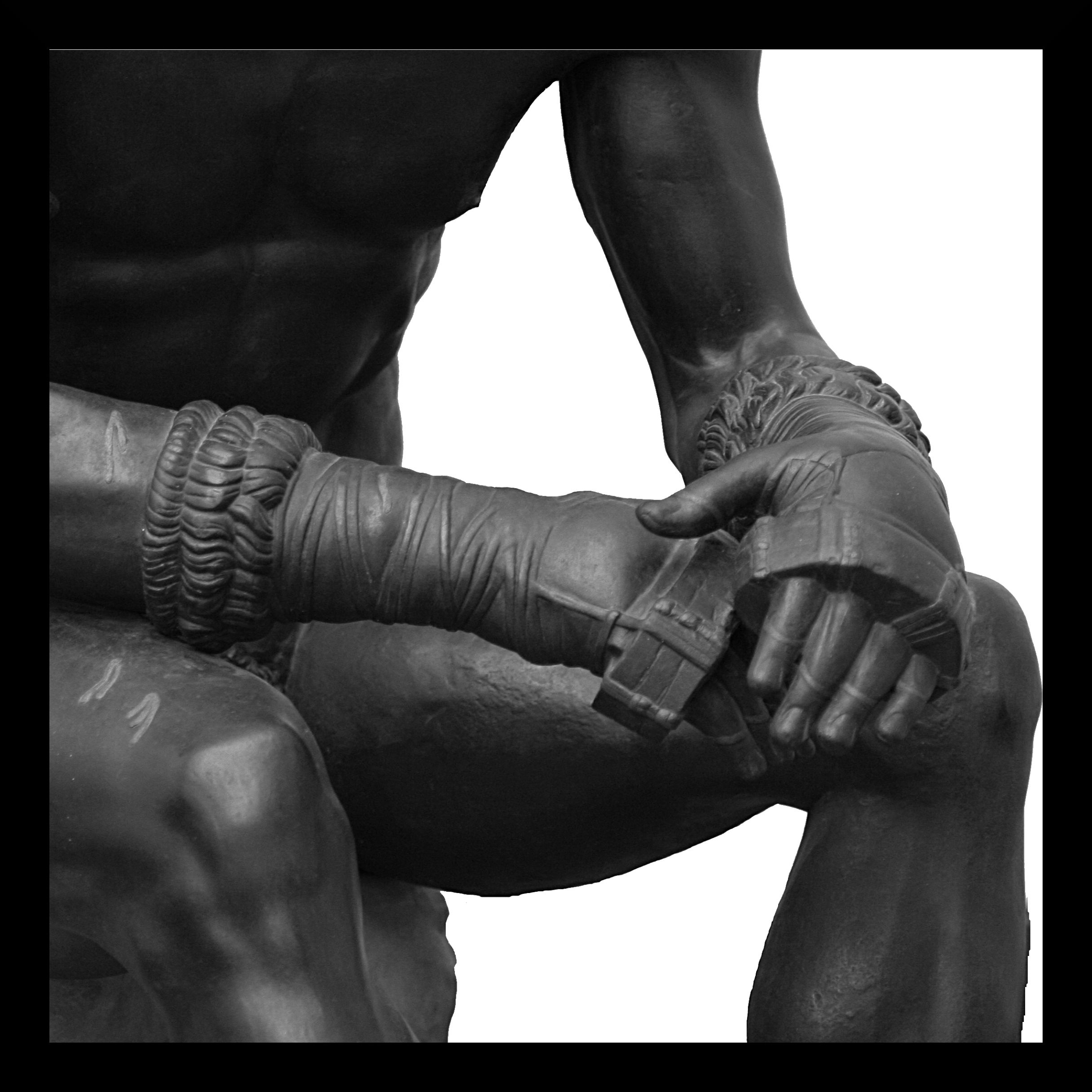 Boxer_of_quirinal_hands.jpg