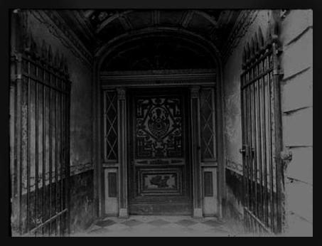LaLaurie_Door.jpg