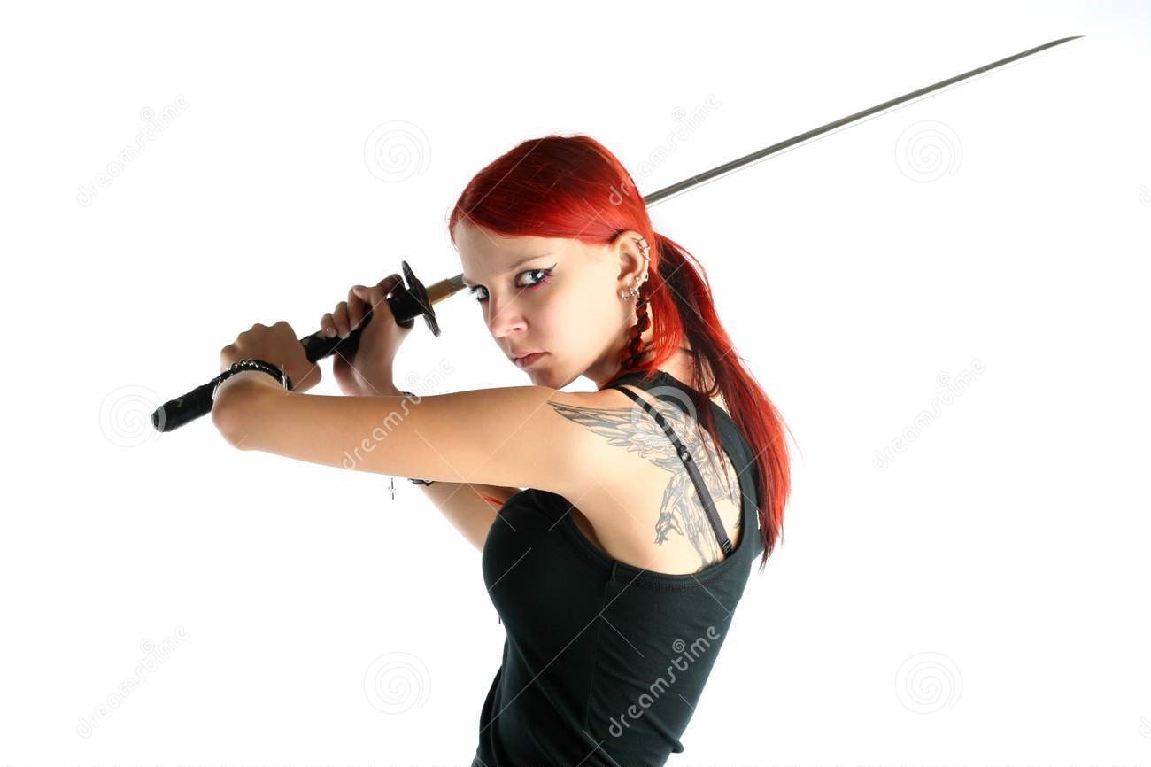 beautiful-red-hair-girl-katana-sword-39653326.jpg