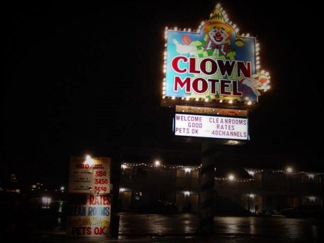 Clown_Motel.jpg