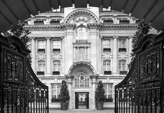 baden-london-entrance.jpg