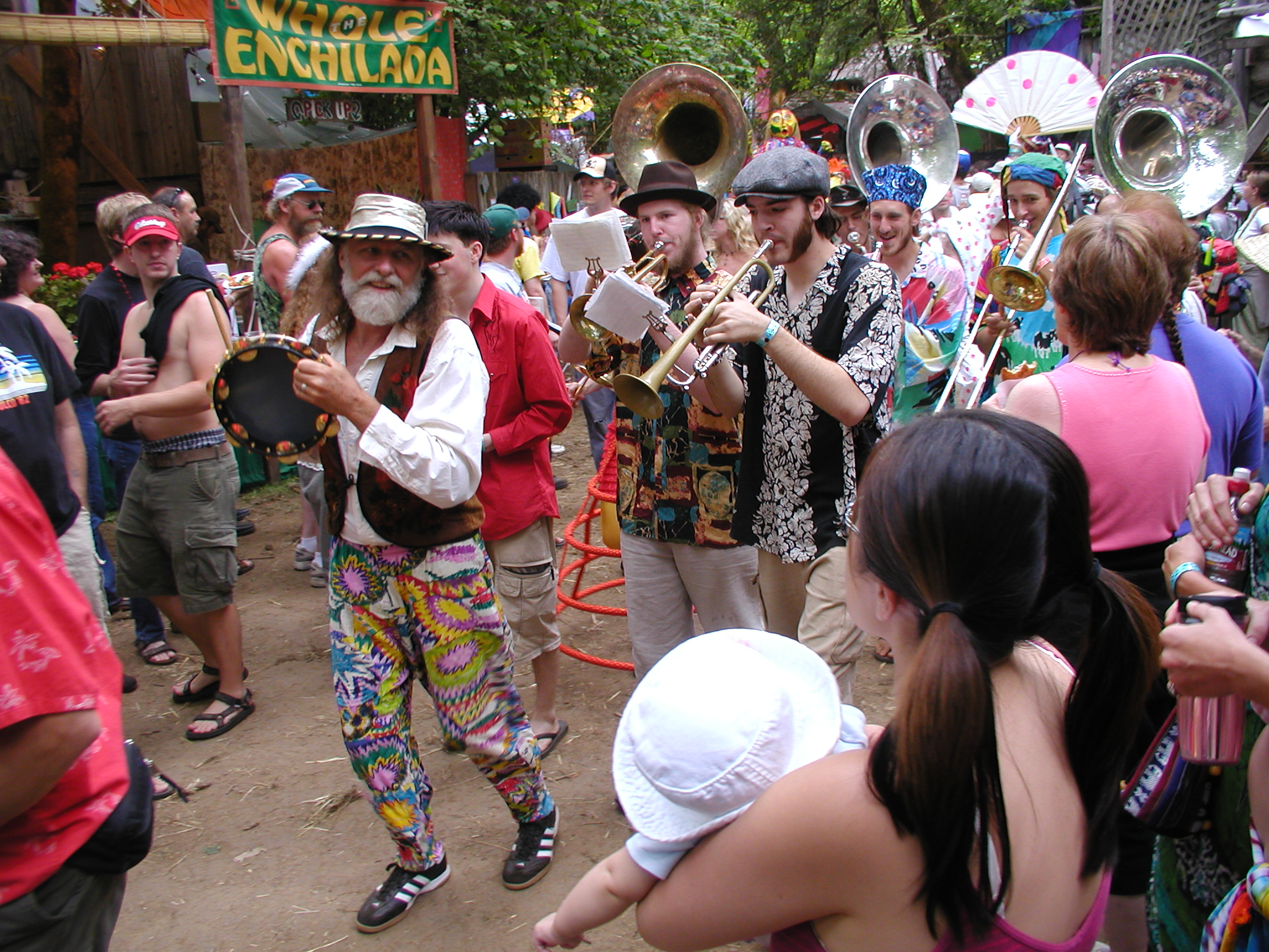 Oregon_Country_Fair_2005_Brass_Band_Parade.jpg