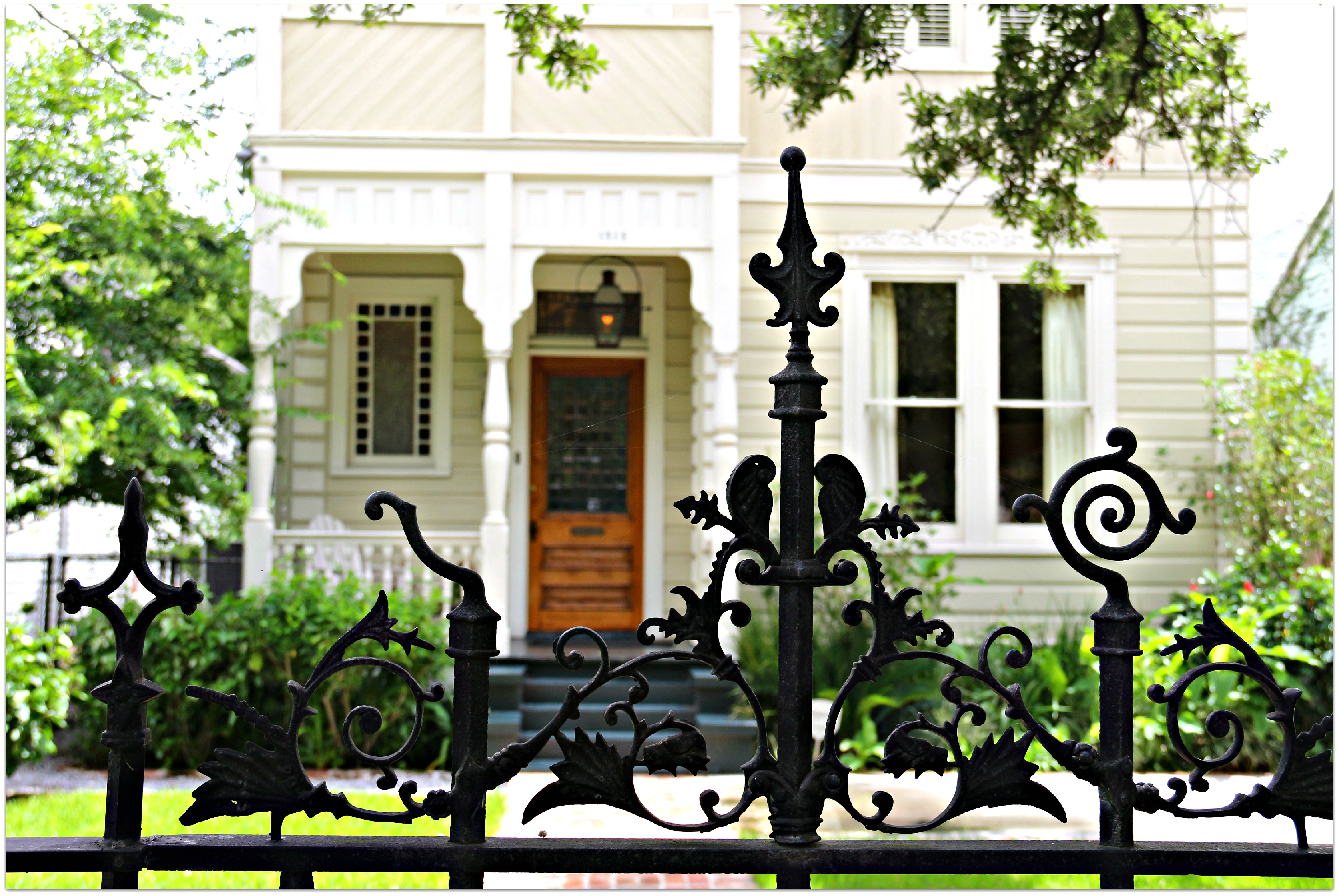 Wrought-Iron-Fences-in-Garden-District....jpg