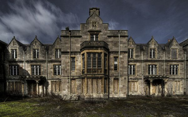 abandoned-denbigh-asylum-north-wales-hospital-2.jpg