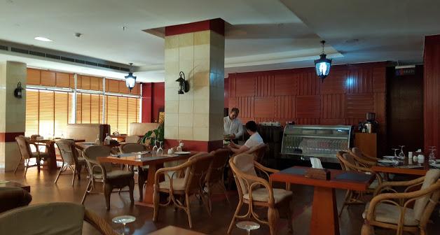 Russian_restaurant2.jpg