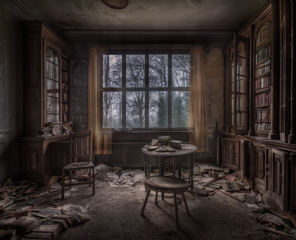 manor_interior.jpg