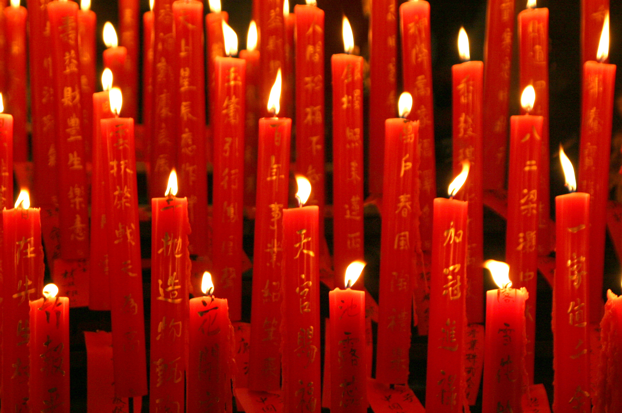 Red-Candles1.jpg